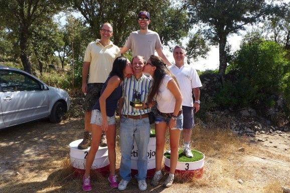 podio-y-trofeo-3